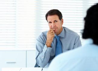 Jakich zachowań unikać podczas rozmowy kwalifikacyjnej?