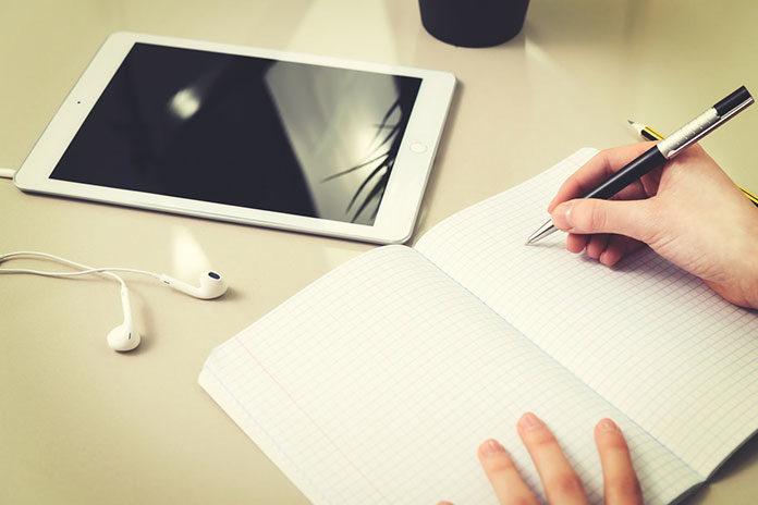 Jak studiować dziennie i zarabiać