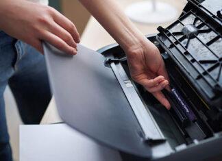 Przenośna drukarka do etykiet samoprzylepnych. Błyskawiczny druk etykiet w każdym miejscu